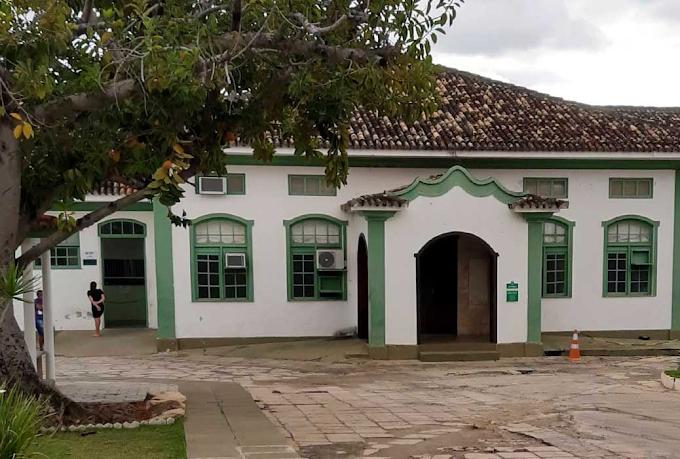 Criança atingida por tiro em Miguel Calmon é transferida para Salvador