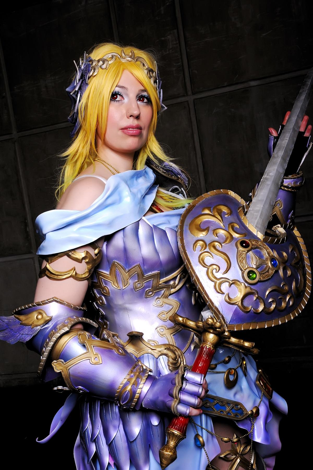 Nữ kiếm sĩ xinh đẹp trong Zangeki no Reginleiv - Ảnh 3