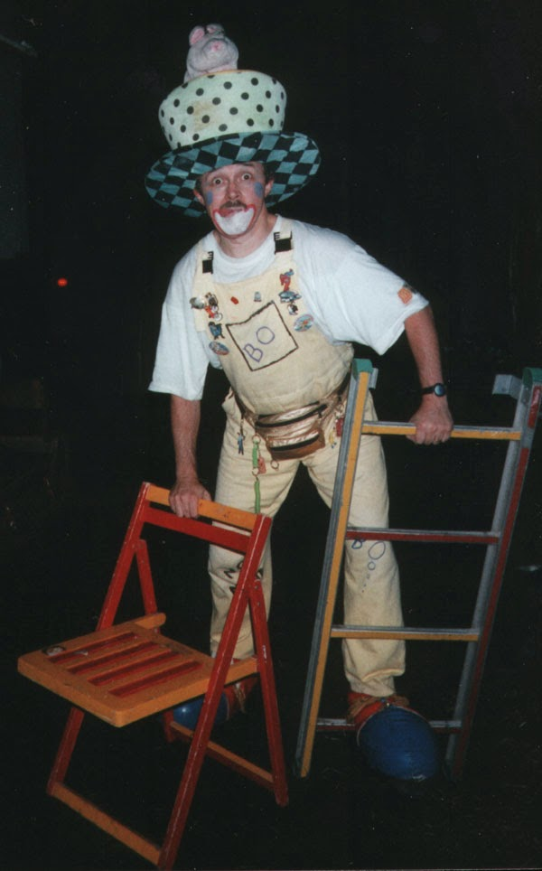 Clown Bo with Ladder