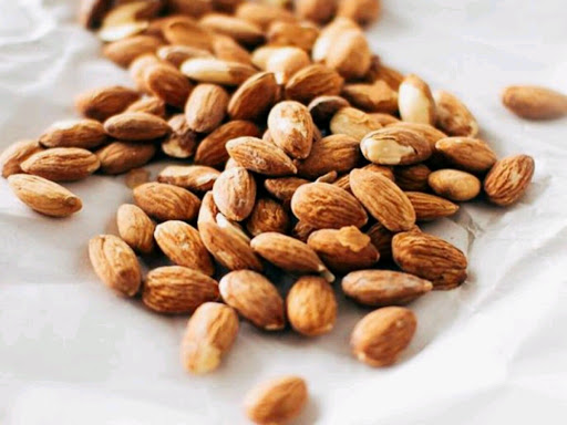 Sederet Manfaat Kacang Almond Bagi Ibu Hamil Muda