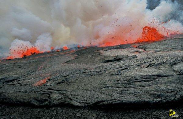 استكشافية لبركان نيراجونجو افريقيا 16.jpg
