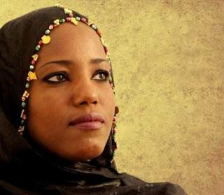 L'artiste Sahraouie engagée, Aziza Brahim, en concert à Londres