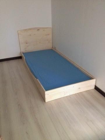 tafjora und noch ein mamablog einmal frankreich und zur ck unser montessori floor bed ein. Black Bedroom Furniture Sets. Home Design Ideas