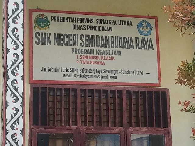 Pembangunan Rubel Dua Lokal SMKN  Seni dan budaya Sembunyikan Papan Informasi Dalam Gudang