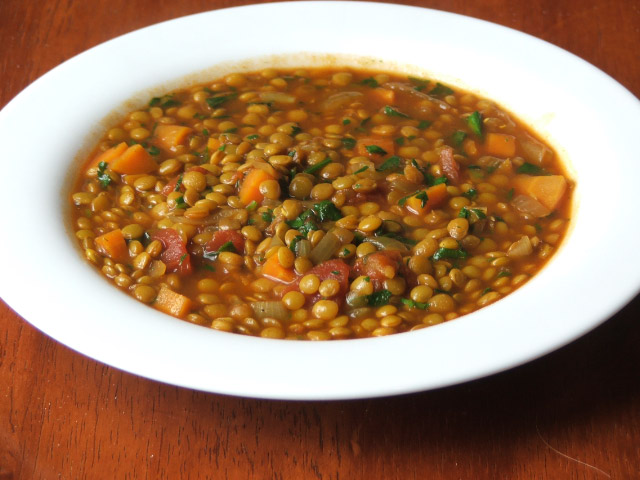 www.garlicrecipes.ca - Lentil Soup with Spicy Italian Sausage