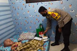 Sosok Kapolres Lumajang di Ditengah  Pademi Silaturahmi ke Penderita Hydrocefalus Berikan Bansos Sembako dan Daging Korban