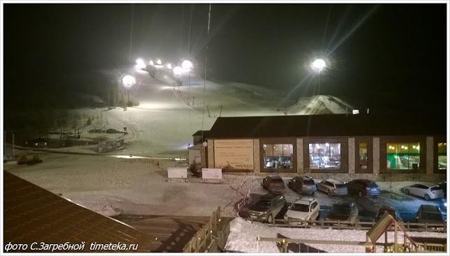 Горнолыжная трасса ночью. Хвалынск