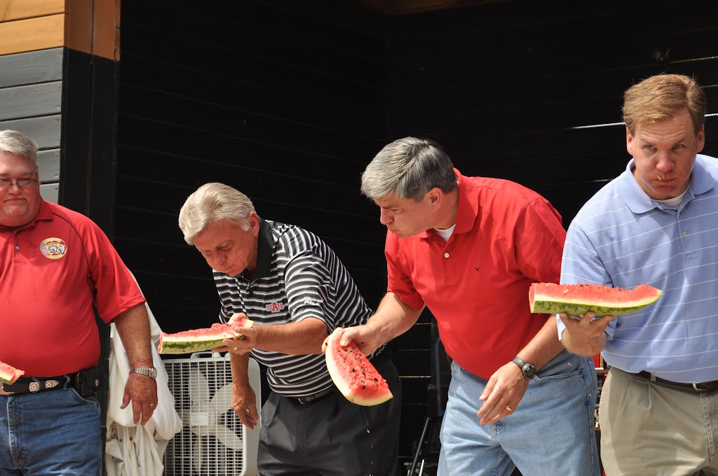 Politically Correct Watermelon Eating Contest 2011 - DSC_0224.JPG