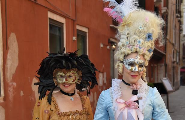 cappello e capelli di Isidoro.