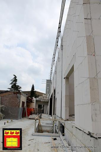 gemeenschapshuis  heeft zijn hoogste punt bereikt overloon 03-05-2013 (8).JPG