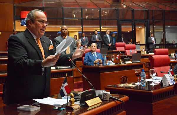 Senadores iban a introducir hoy en la agenda del día el proyecto de Ley de Partidos Políticos
