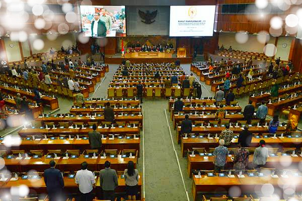 Miris, DPR Bahas Omnibus Law di tengah rakyat sedang terkepung COVID 19