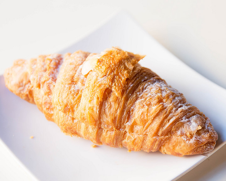 photo of Croissant Aux Amandes
