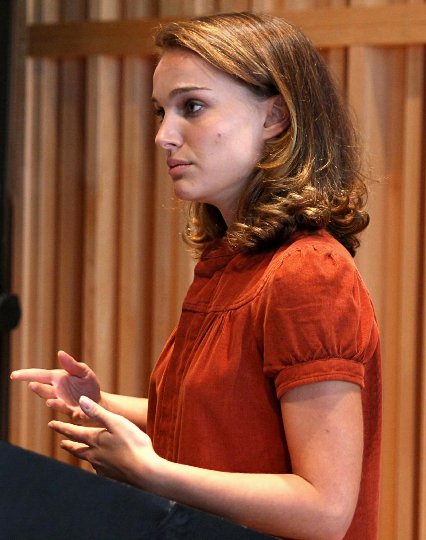 Natalie Portman Una Mujer Doblemente Exitosa Desmatecnologico