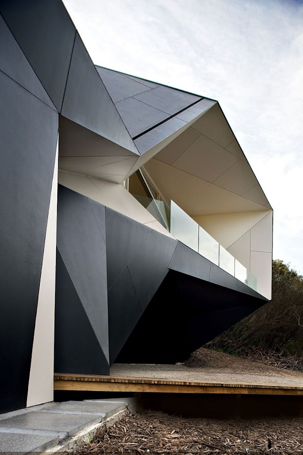 Unique and unusual architecture of klein bottle house exterior