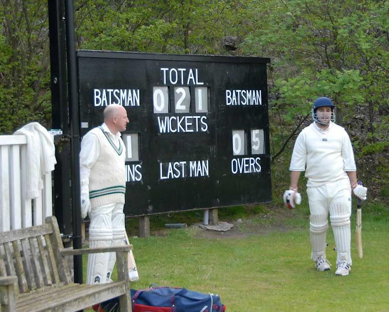 Cricket44DS-Sutton