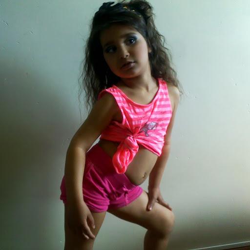 Angelina Santiago Photo 15