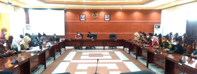 32 Anggota DPRD Tanah Laut Kalsel Kunjungi DPRD Kapuas Kalteng