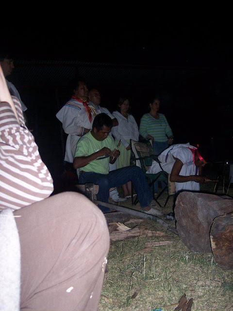 Ceremonia de Xicuri Neira con los hermanos Wixarikas (huicholes) - 29333_112388652129508_100000751222696_76149_3659730_n%255B1%255D.jpg