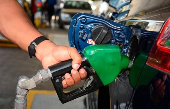 Suben precios de los combustibles y la gasolina premium roza los RD$250 el galón