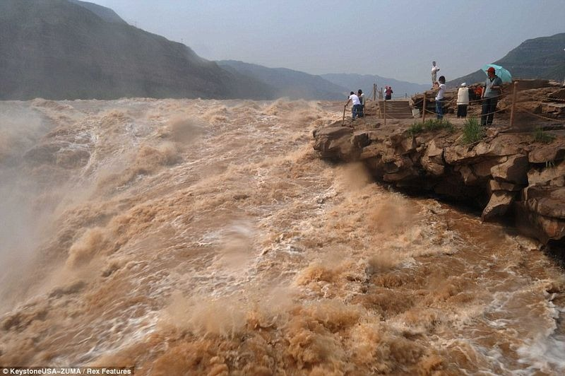 hukou-waterfall-9