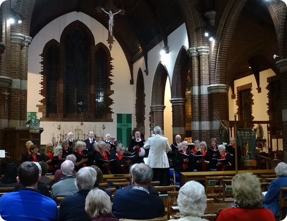 Wistaston Singers at the Parish Church of St Andrew - Sat  26-9-15 (2)
