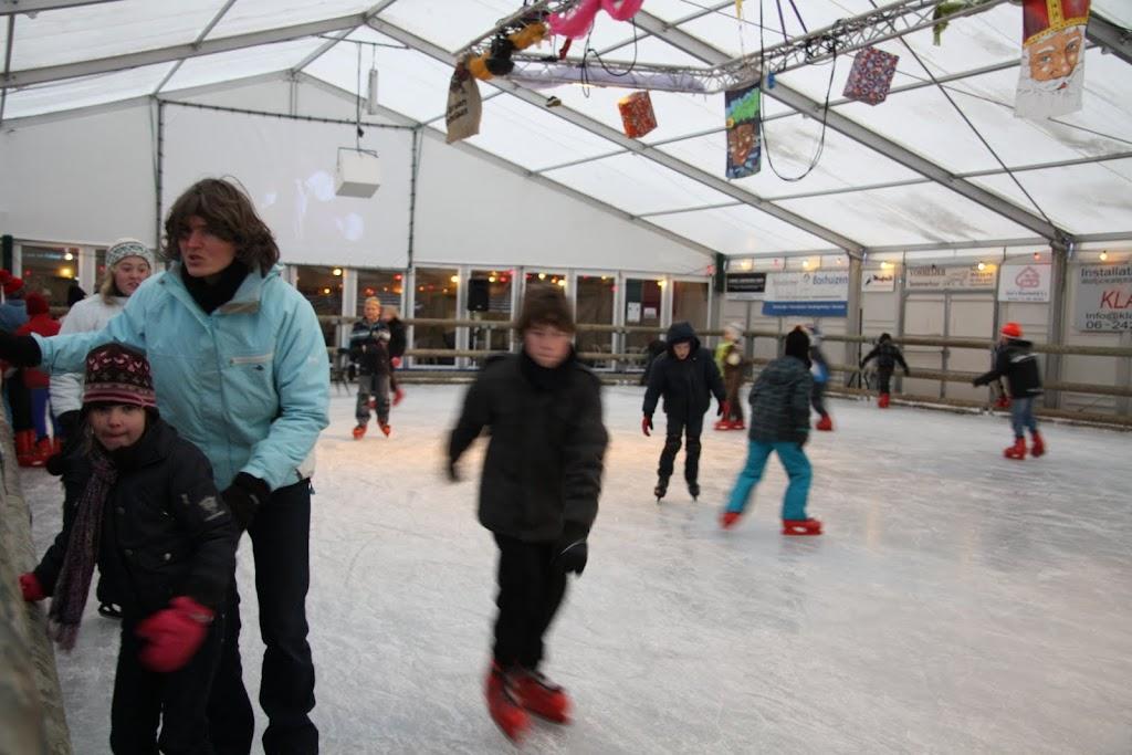 Sinterklaas bij de schaatsbaan - IMG_0295.JPG
