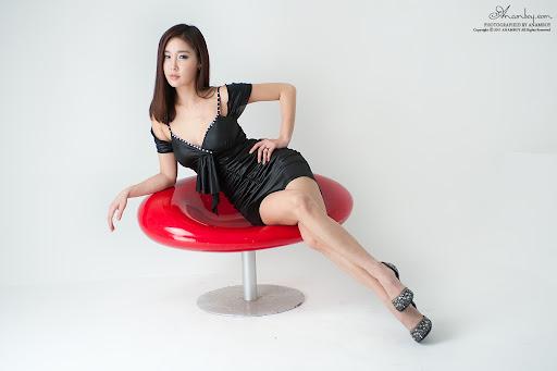 Hwang In Ji (