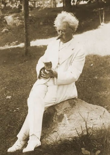 Mark Twain and a cat