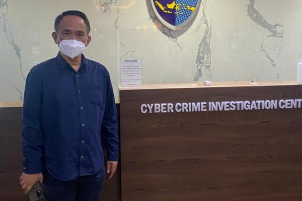 Andi Arief Menduga Kubu Moeldoko Coba Retas Sistem Kemenkumham