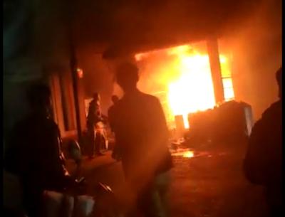BIG NEWS! ऑटो पार्ट्स की दुकान में लगी भीषण आग | GUNA NEWS