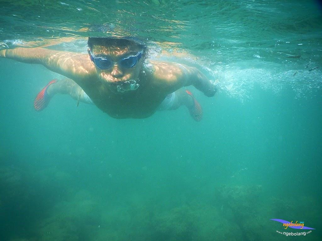 family trip pulau pari 140716 Nikon 35