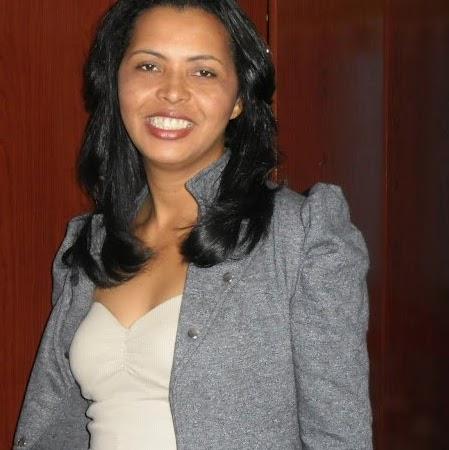 Elizabeth Dias