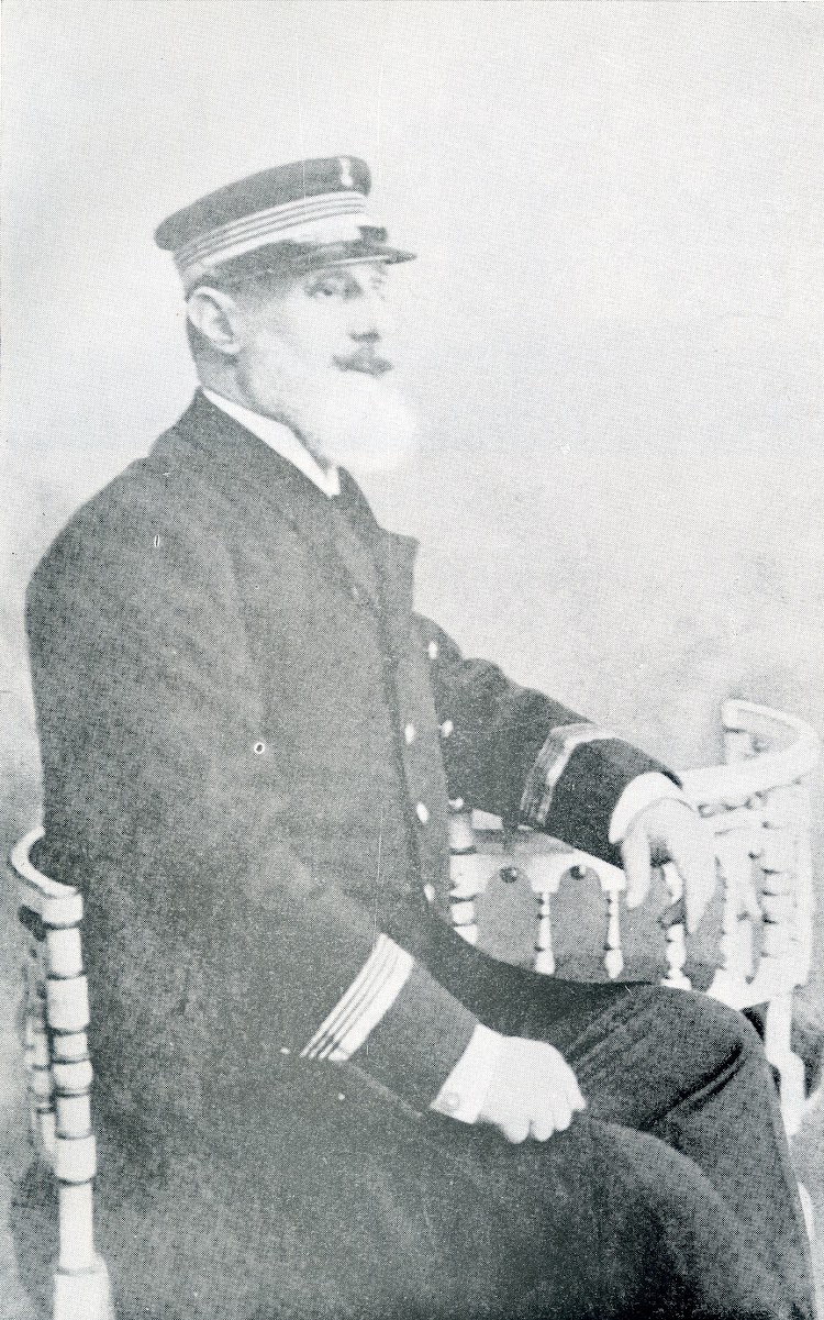 El capitan Jose de Oyarbide Echevarria. Foto del libro Capitanes de Cantabria.jpg
