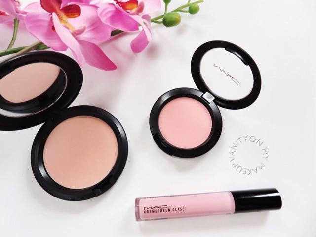 Makeup vanity sets