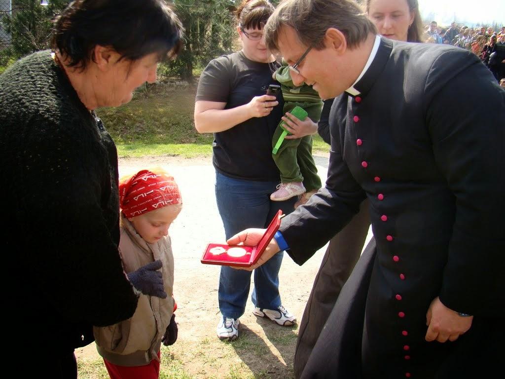 2011 Marsz papieski - relikwie4.jpg