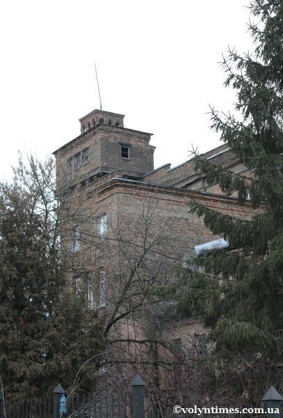 Приміщення  колишньої електростанції на вулиці Залізничній
