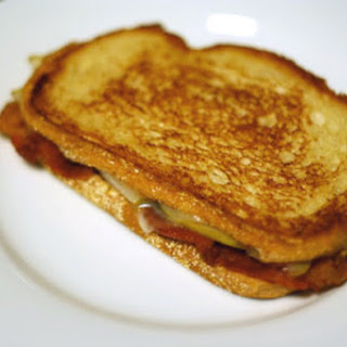 Bacon, Pear, and Cheese Sandwich Recipe