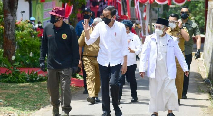 Kerap Bikin Kerumunan & Selalu Bebas Sanksi, Demokrat: Ya Cuma Jokowi