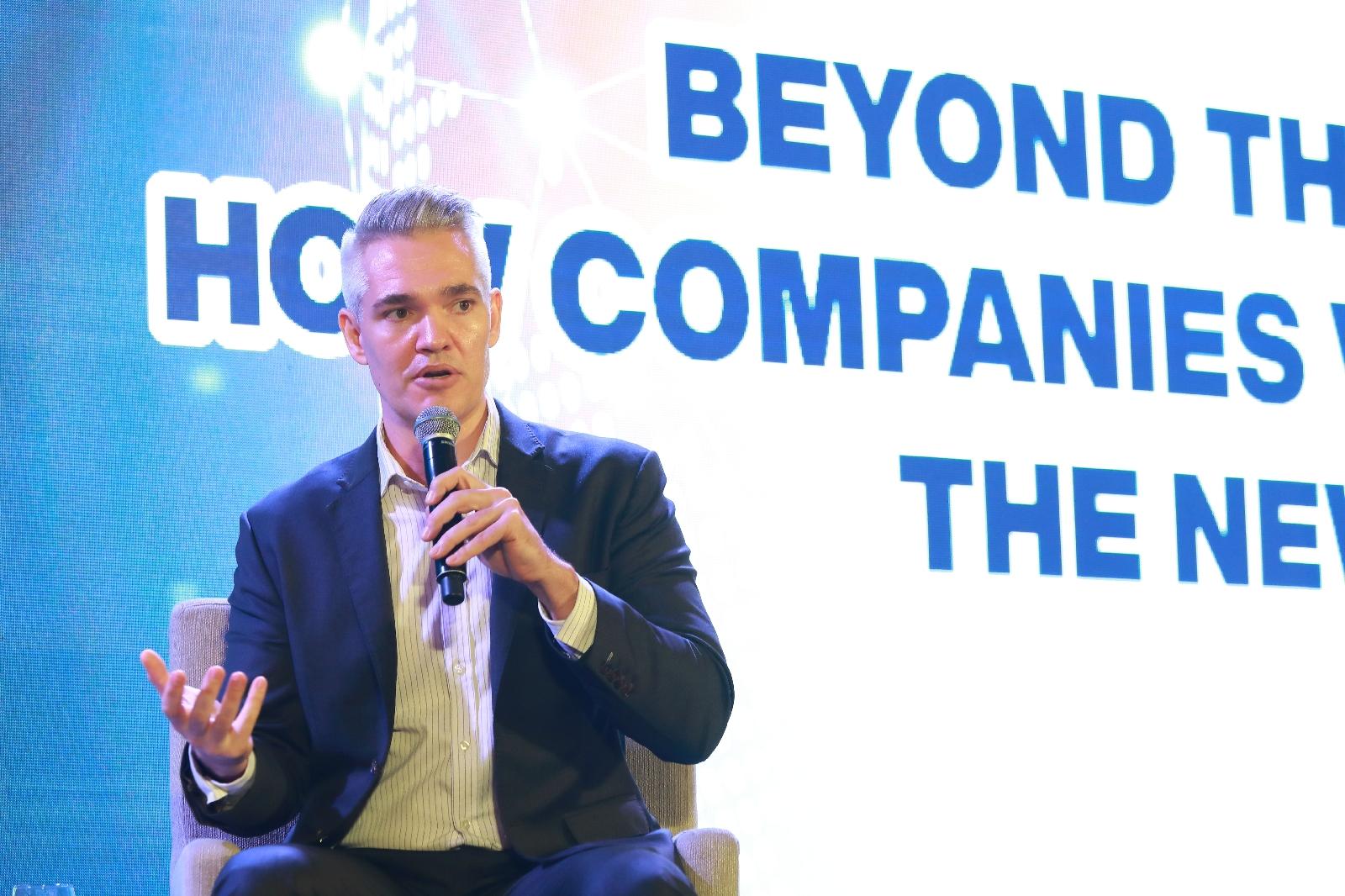 """Beyond the Pandemic: A Decade of Challenges from 2021 "" เตรียมพร้อมรับมือโลกหลังวิกฤติโรคระบาดด้วยเทคโนโลยี"