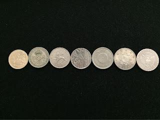 500円玉より少しだけ大きいコイン達 裏面