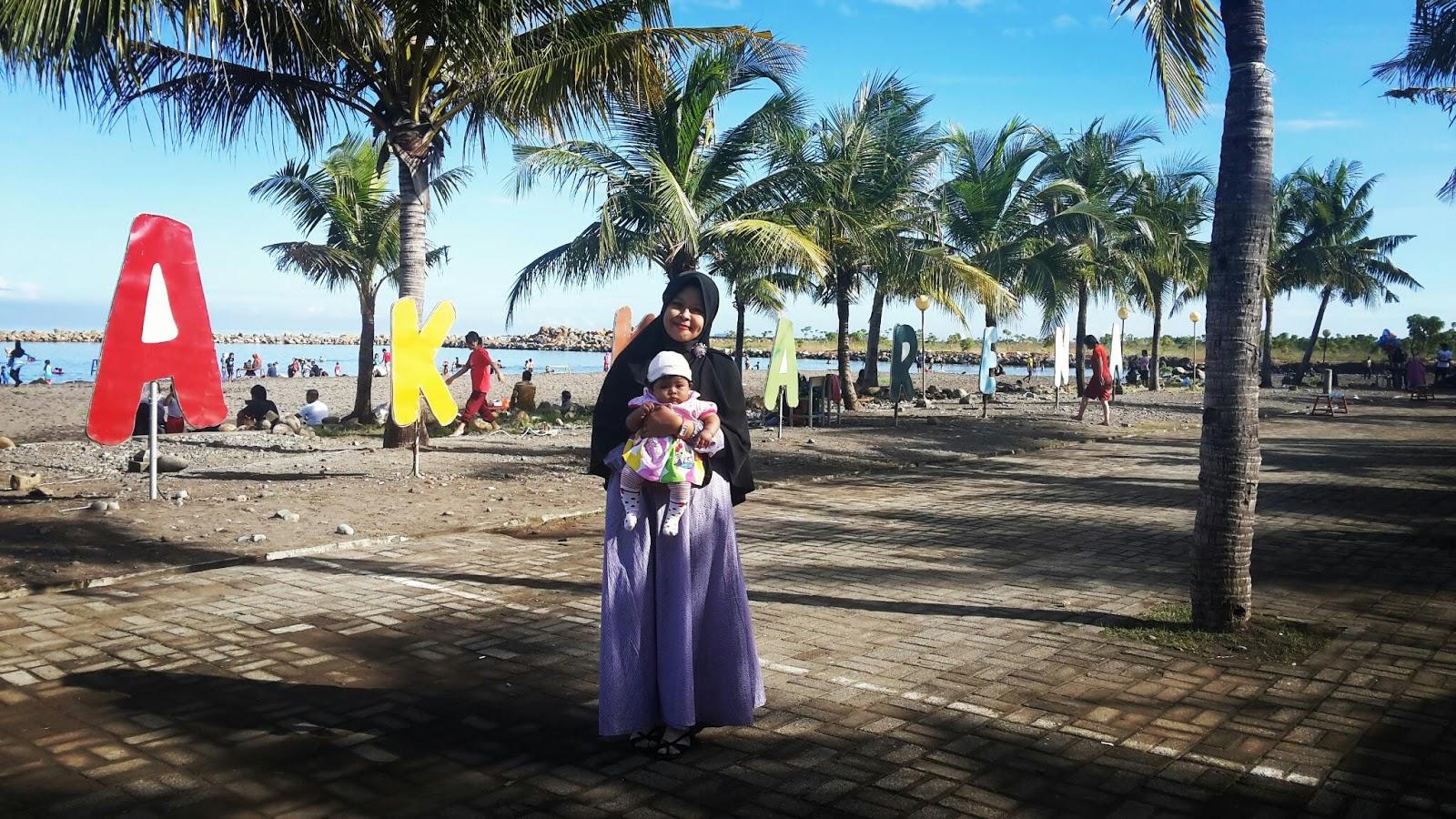 World Of LaRa: Pantai Akkarena Makassar