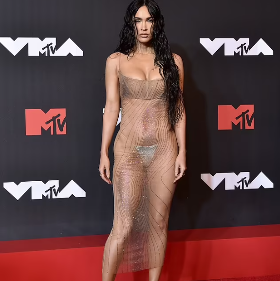 """""""He told me I was gonna be n*ked and I said whatever you say daddy"""" Megan Fox reveals boyfriend Machine Gun Kelly chose her see-through VMAs dress"""