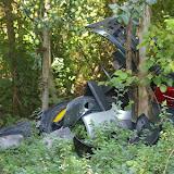 Bû et ses décharges sauvages en Forêt de Dreux (une déchetterie existe à moins de 200 m !). Bû (28), 2 septembre 2011. Photo : J.-M. Gayman