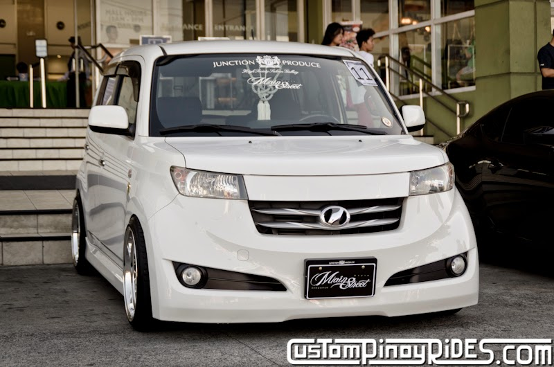 Slammed and Stanced Brothers Toyota bB1 and bB2 Custom Pinoy Rides Car Photography Manila Philippines Philip Aragones THE aSTIG pic13
