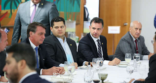 Bolsonaro quer Davi Alcolumbre no ministério