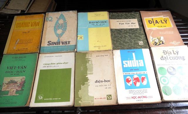 Sách giáo khoa tiểu học cũ - nơi lưu giữ từng trang ký ức DSCN2799