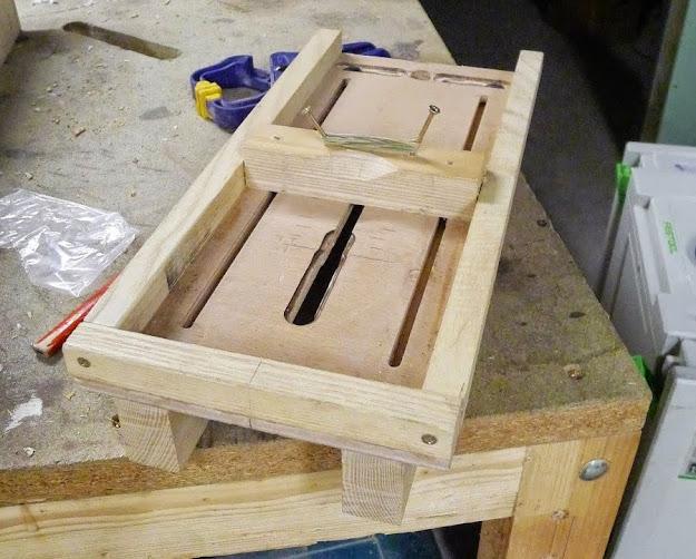 Fabriquer une table pour defonceuse am lioration scie for Cie no 85 table 4