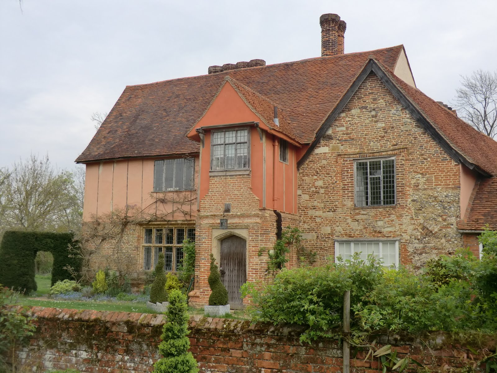 CIMG0402 Elizabethan building