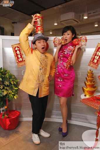 談到新年願望,王祖藍表示可投放更多時間在創作上,萬綺雯則大愛地表示希望世界和平。